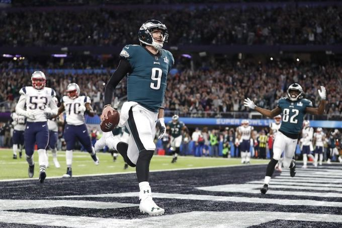 Photo of Nick Foles with the Philadelphia Eagles in 2018