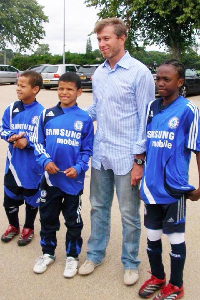 Childhood Photo of Tammy Abraham with Roman Abramovich