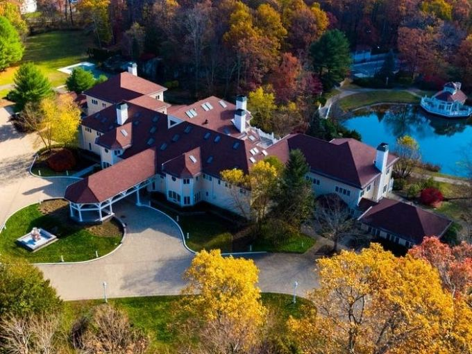 Mike Tyson's former mansion in Connecticut