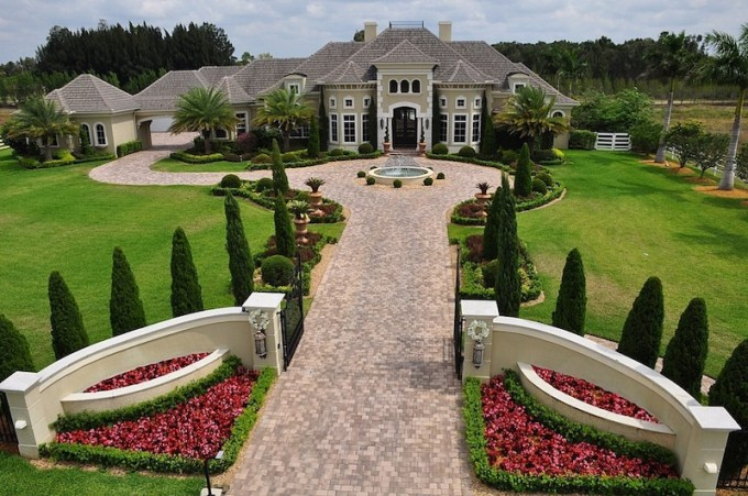 Dwayne Johnson House is a Mansion in Florida