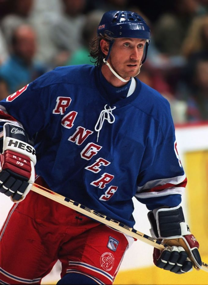 New York Rangers' Wayne Gretzky In 1997 – The Greatest Hockey Player
