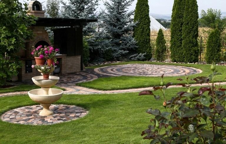 Vrei să stii ce forme şi culori de pavele aleg românii când îşi amenajează grădinile?