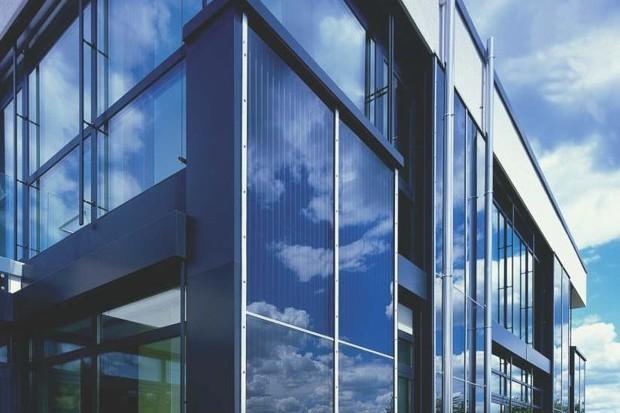Confort  și economii la întreținere prin utilizarea vitrajelor cu control solar superior și izolare termică