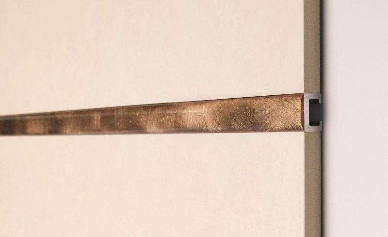 Profile de finisaj din inox şi aluminiu pentru băi: etanşare şi design