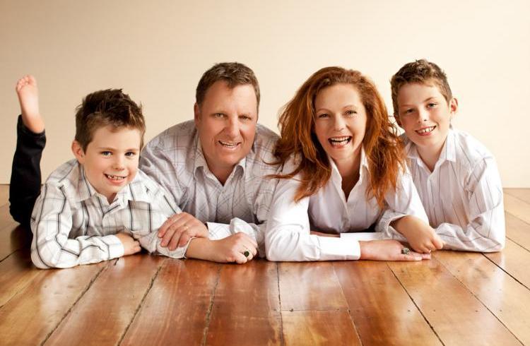 Cum construieşti o casă care să îţi aducă facturi mici la întreţinere?