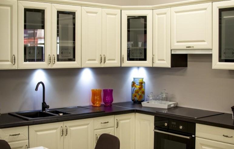 Ce avantaje și soluții de amenajare ofertă mobilierul modular