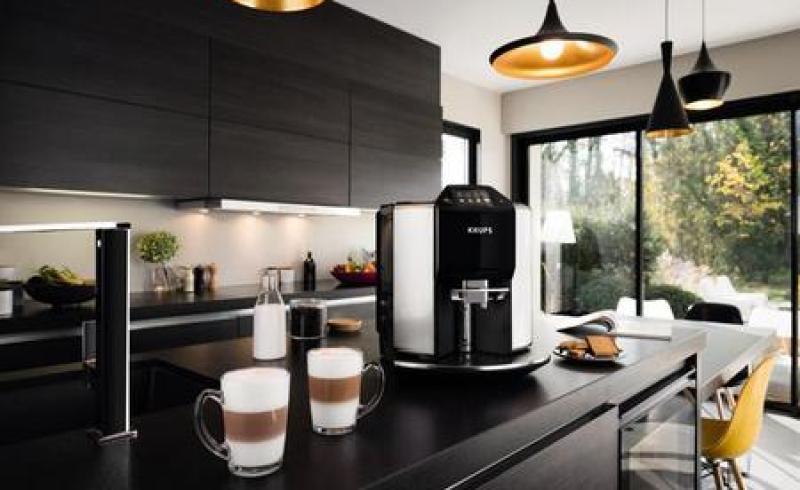 Espressorul automat Krups Barista New Age, 1450W, 15 bari, ecran intuitiv, 17 rețete presetate