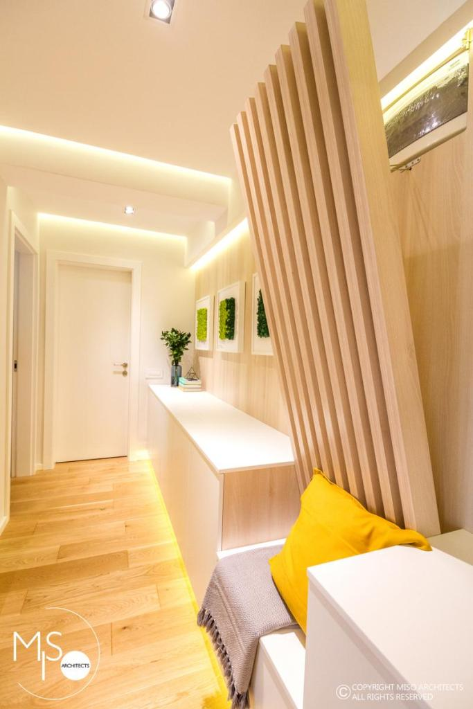Miso Architects amenajare moderna apartament Bucuresti hol zona noapte 3