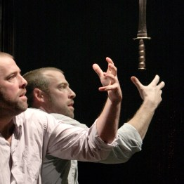 Macbeth (Ian Merrill Peakes). Macbeth, Folger Theatre in a co-production with Two River Theater Company, 2008. Photo: Carol Pratt.