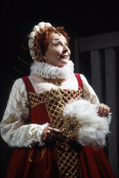 """Michael Learned as Elizabeth I in Maxwell Anderson's """"Elizabeth the Queen"""" directed by Richard Clifford. Folger Theatre, 2003. Photo by Carol Pratt."""