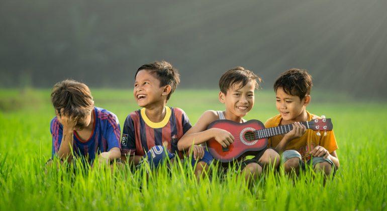 Top Chinese Children's Worship Albums: Mandarin & Cantonese 兒童敬拜 基督徒 親子 christian music