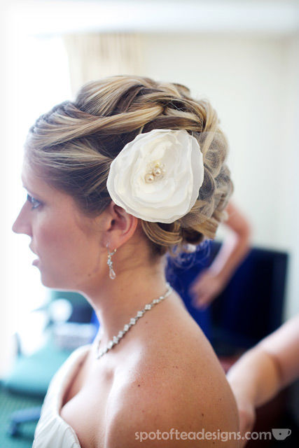 DIY Wedding Hairpiece Tutorial   spotofteadesigns.com
