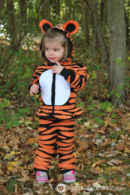 #DIY Tiger #Halloween Costumes for infant and toddler   spotofteadesigns.com