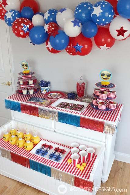 9 summer party themes - patriotic emoji party | spotofteadesigns.com