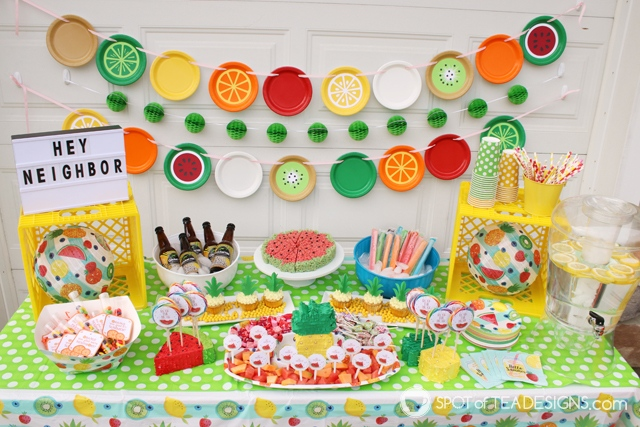 10+ paper plate party decor ideas - a cheap and easy way to make a big impact at a party across all different themes! | spotofteadesigns.com