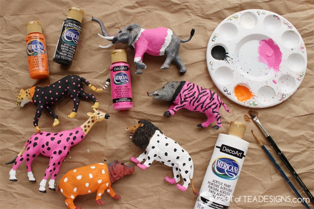 Party Animals Party - Painted Animals centerpiece | spotofteadesigns.com