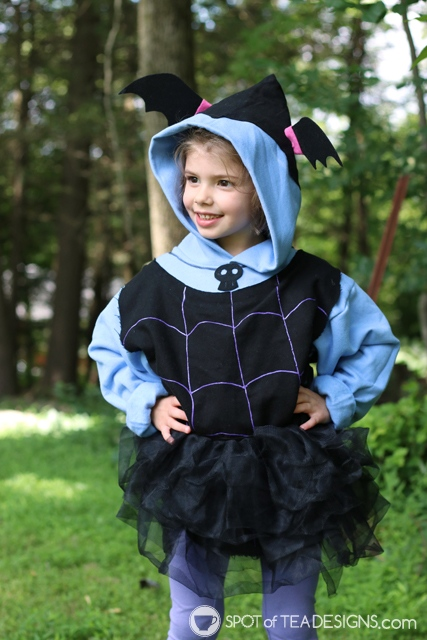DIY Hoodies for kids - vampirina with free template | spotofteadesigns.com