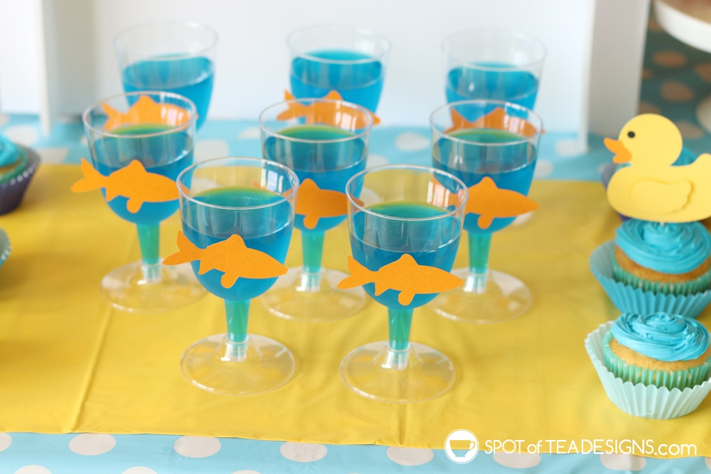Cute jello ideas for parties - goldfish bowls for a carnival party | spotofteadesigns.com