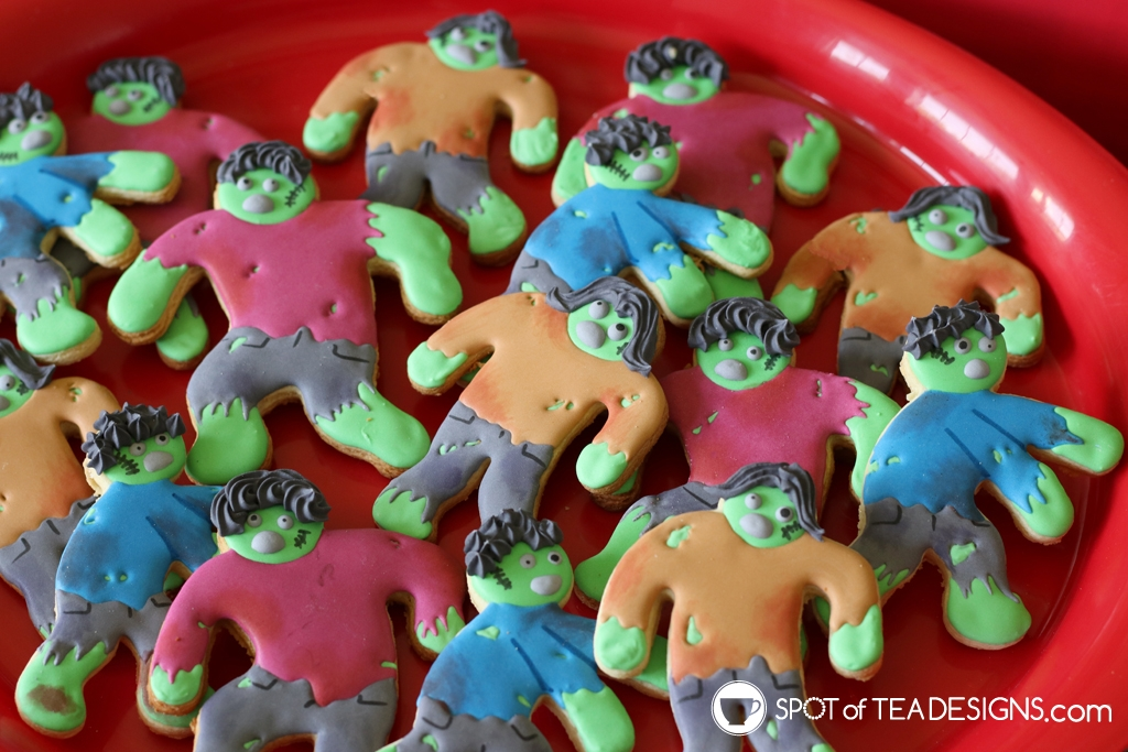 Zombie Party Desserts | spotofteadesigns.com