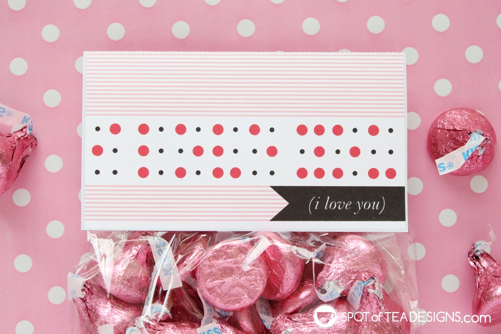 """Printable Valentine's Bag Toppers - """"I love you"""" in braille 