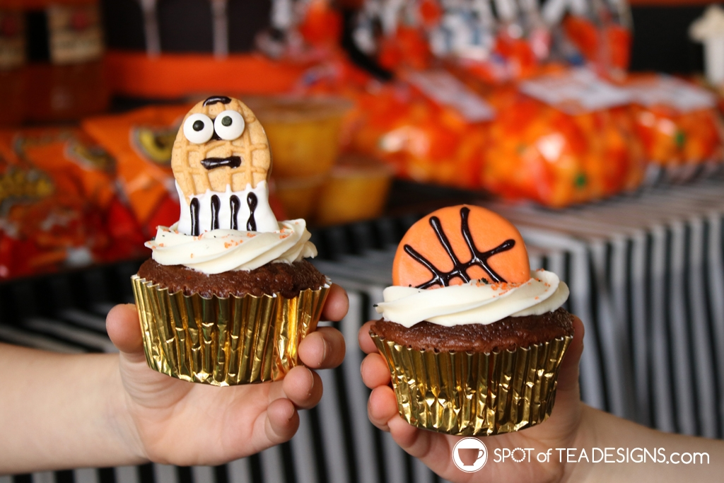 Basketball party hacks - chocolate covered basketball dessert ideas | spotofteadesigns.com