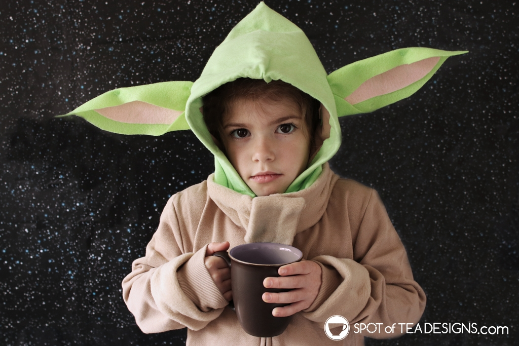 DIY Star Wars Projects to make for May the 4th - Baby Yoda Hoodie | spotofteadesigns.com