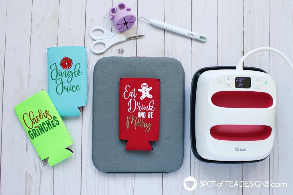 Christmas slim can koozies - free svg cut file! | spotofteadesigns.com