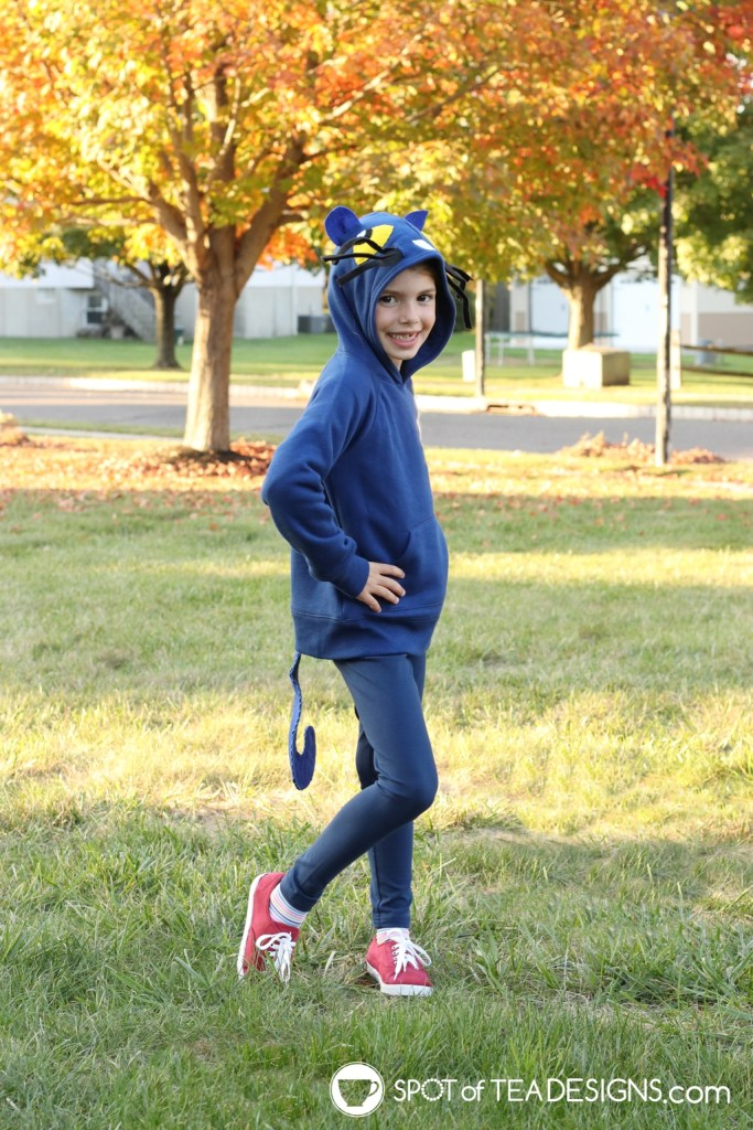 Pete the Cat DIY Hoodie Halloween Costume | Spotofteadesigns.com
