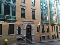 Travel Guide: Boston on a Budget - Beacon Hill - www.spousesproutsandme.com