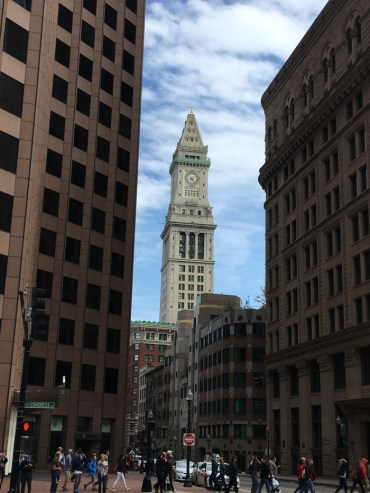 Travel Guide: Boston on a Budget - City View Hop on Hop off Tour - www.spousesproutsandme.com