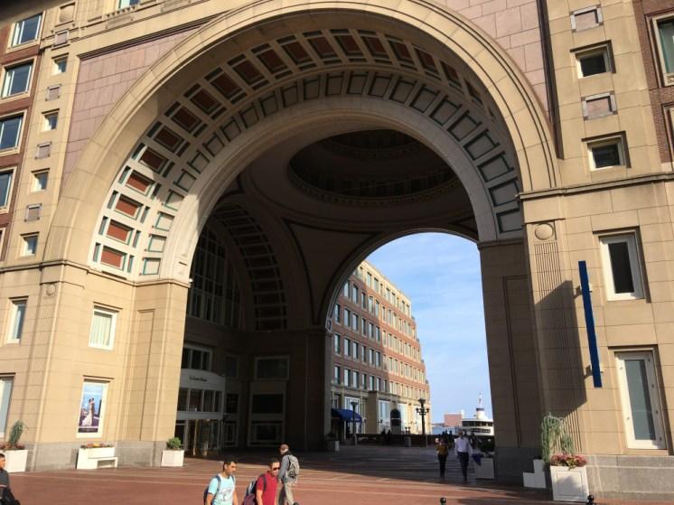 Travel Guide: Boston on a Budget - Urban Adventours - www.spousesproutsandme.com