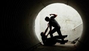 udział w bójce