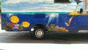 Graffitiauftrag Wohnmobil Unterwasser