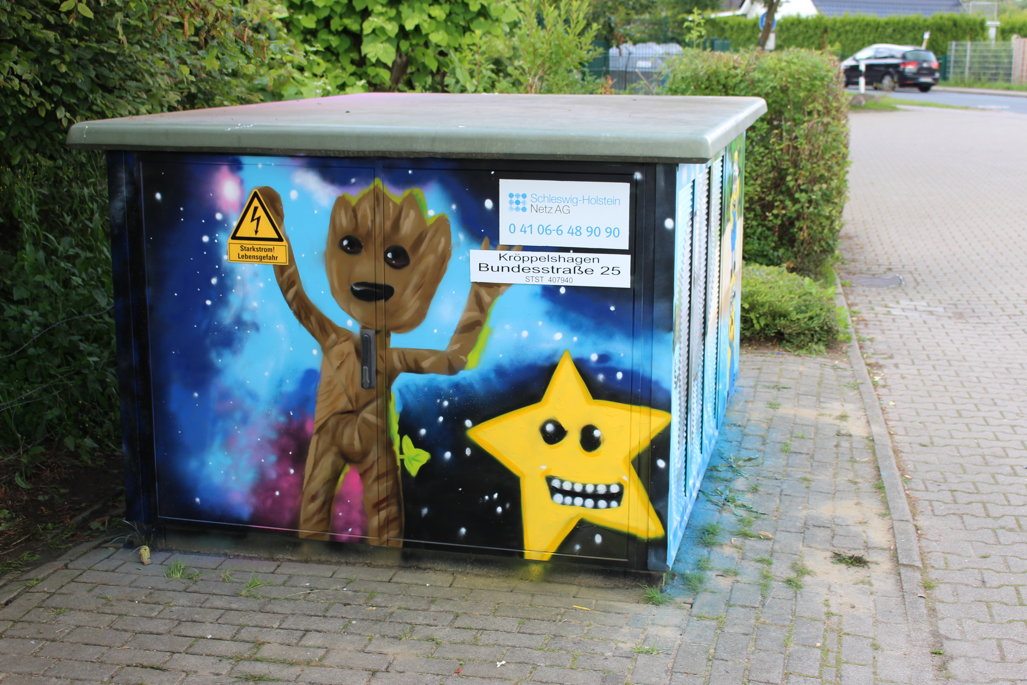 Graffitiprojekt Kröppelshagen Trafostation Seite1 Baby Groot Stern