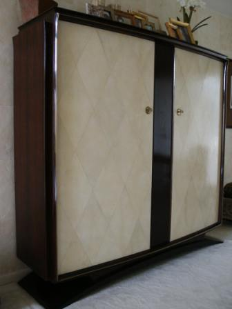 what are custom cabinets