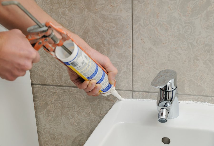 best caulk and caulking gun