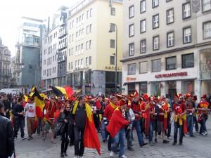 """Antihrvatstvo nisu krili niti belgijski navijači koji su otvoreno navijali protiv Hrvatske. Antihrvatska je bila i kiša. Ljudima koji inače pjevaju """"svi će sokolovi za te život dati"""" kiša je ipak bila malo previše pa su masovno napuštali sveti Maksimir."""