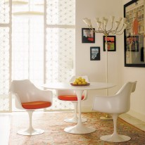 saarinen-dining-table-side-chairs-5597_z