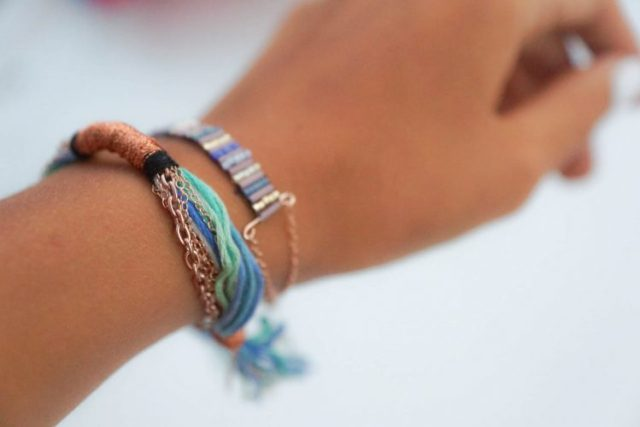 bracelet tissé bugles porté (2 of 11) copy
