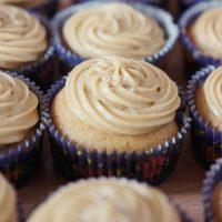 Cupcakes vegan au caramel salé