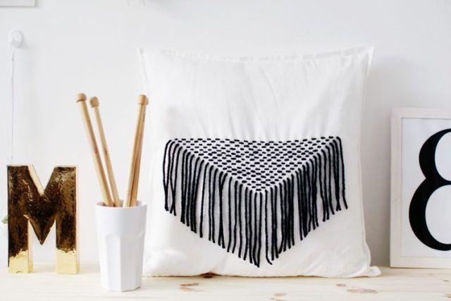 Fall-For-DIY-Stitched-Tassel-Pillow-Tutorial-1