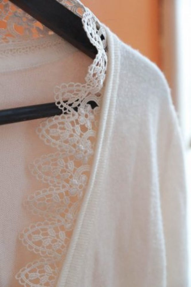 DIY cardigan dentelle closeup
