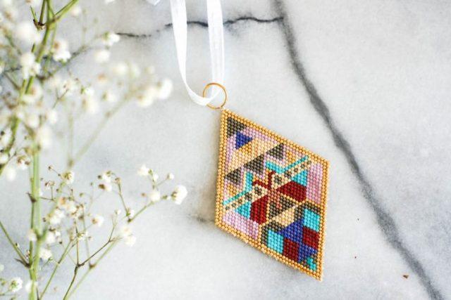 DIY beaded tree ornament free pattern brick stitch