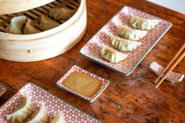 Gyoza/dumplings sauce dragon (vegan & délicieux)