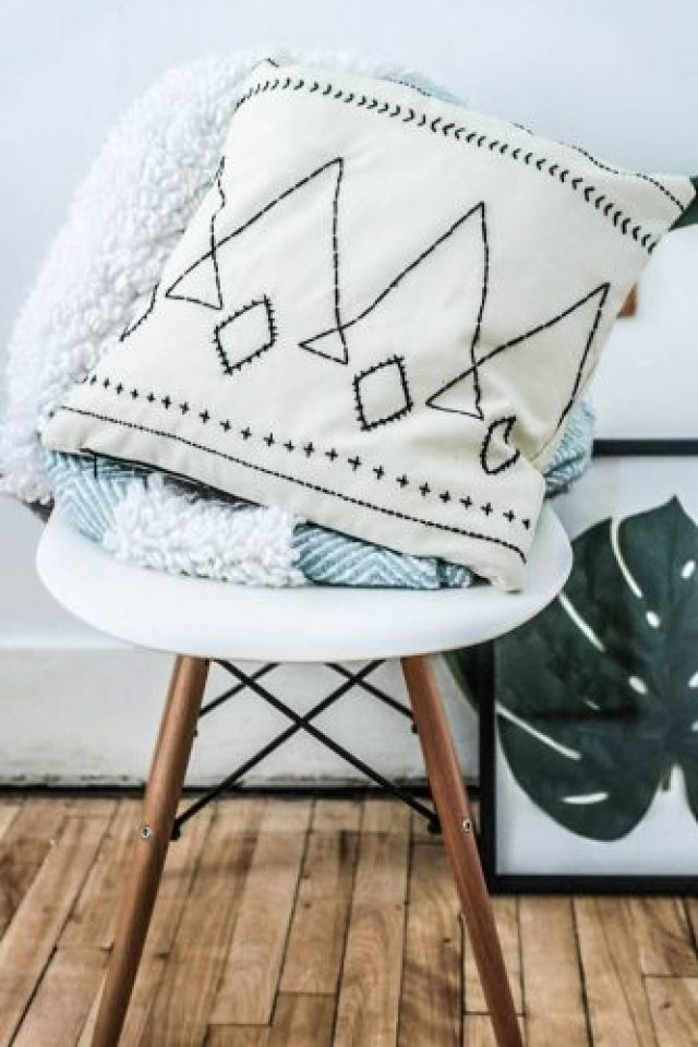 DIY berber style cushion. Step by step tutorial