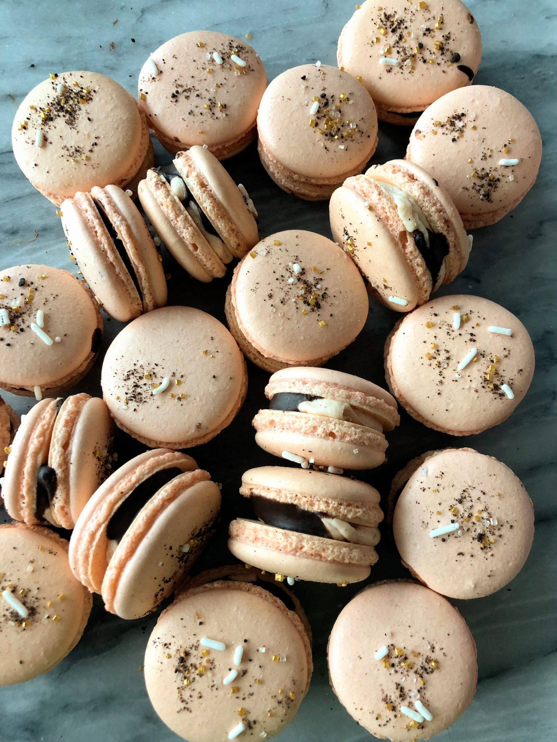 Dress up your Macarons: Five Ideas to Decorate French Macarons