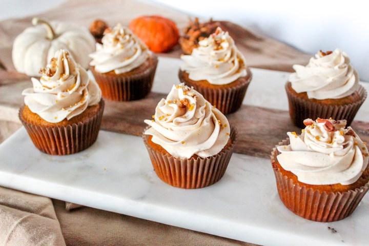 Pumpkin Spice Cupcakes + Cinnamon Cream Cheese Frosting
