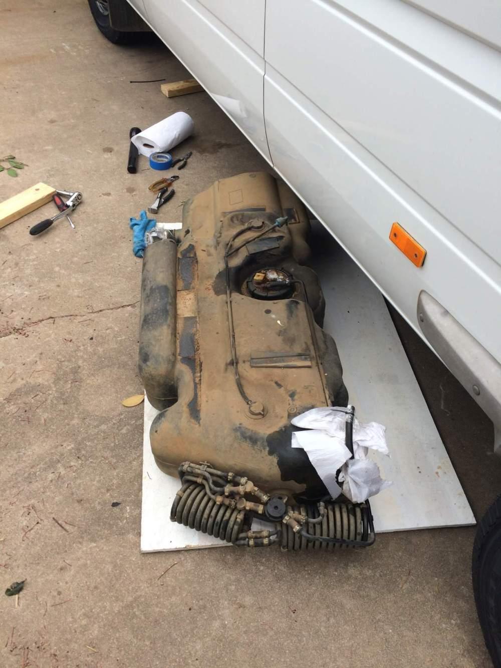 medium resolution of fuel tank removal t1n sprinter