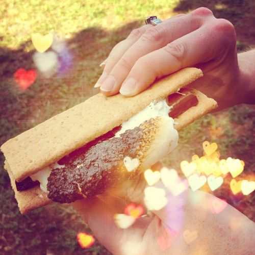 Toasty Treat #campbondfire #yumminess #marshmallow #smores #hersheys #chocolate #mmmm