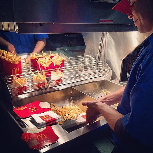 Photo by Sprittibee: Mmmmmm  #atxhappymeals @mcd_austin #fries